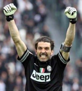 Buffon esulta per la finale di Champions League conquistata dalla Juve