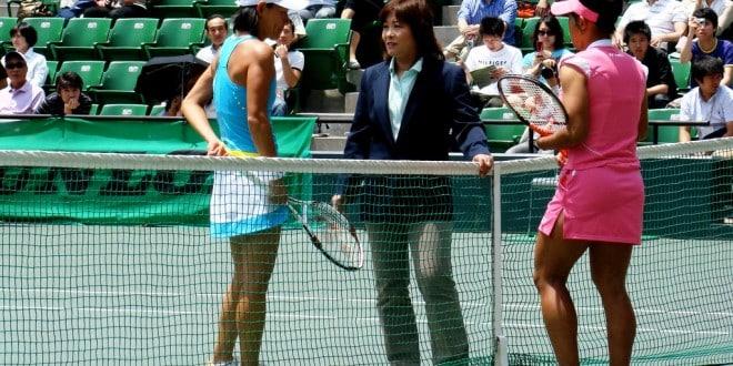 Come diventare un arbitro di tennis
